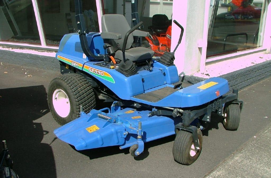 Iseki SZ330 Mower c/w 72in -SZ33 Deck